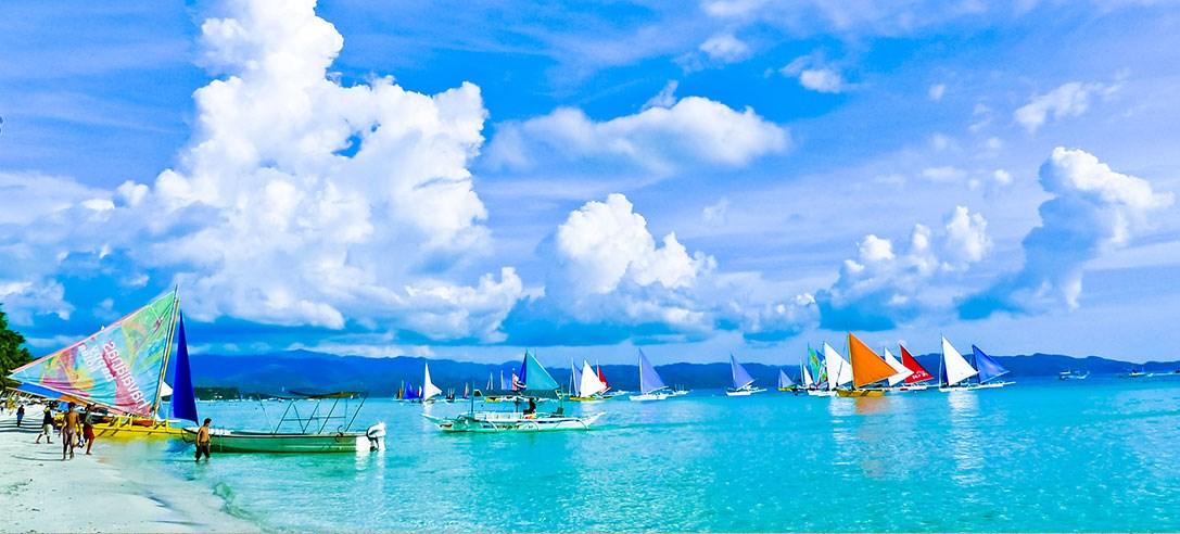 推荐理由:世界上最深的海沟马利安纳海沟是她的邻居;二战时大大小小的沉船是她的宝藏;她既有近似菲律宾人亚 洲似的纯美,又混合了美国人欧美般的热情。塞班原始纯净之美可媲美马尔代夫,有着热门海岛的便利热情,却更拥有 遗世独立的僻静。著名的特殊潜水点,更是潜客趋之若鹜的主因,更是浮潜爱好者的天堂。